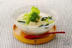 わかめの冷やし豆乳スープ