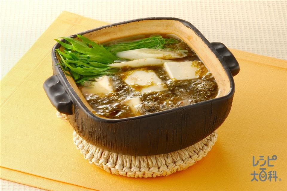 もずくと豆腐の小鍋仕立て(もずく+絹ごし豆腐を使ったレシピ)