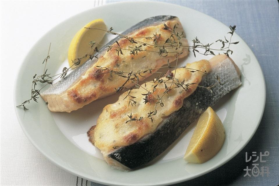 さけのマヨネーズチーズ焼き(さけ+レモンを使ったレシピ)