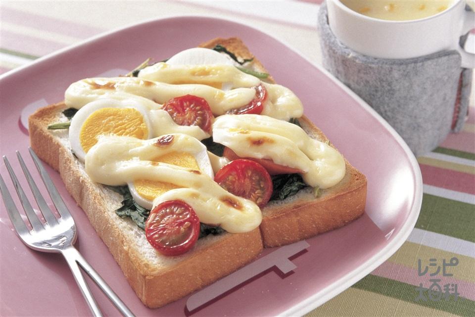ほうれん草とゆでたまごのマヨトースト(食パン6枚切り+ゆで卵を使ったレシピ)