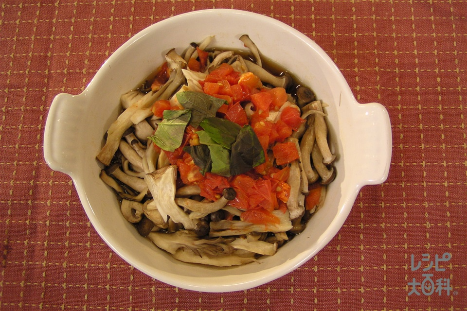キノコのコンソメチン(マッシュルーム+トマトを使ったレシピ)