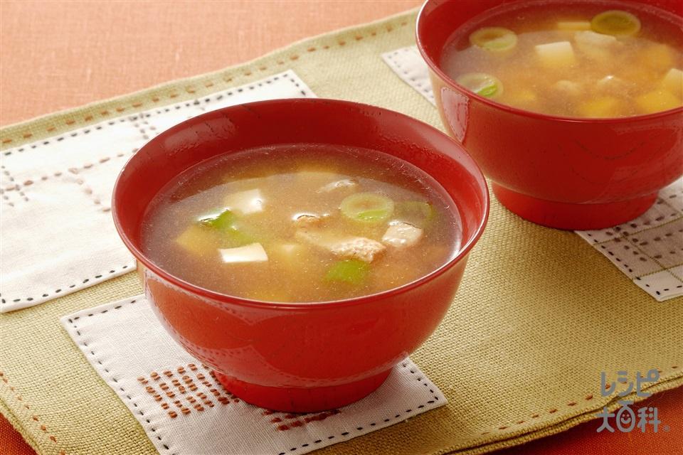 簡単豚汁(豚バラ肉+絹ごし豆腐を使ったレシピ)