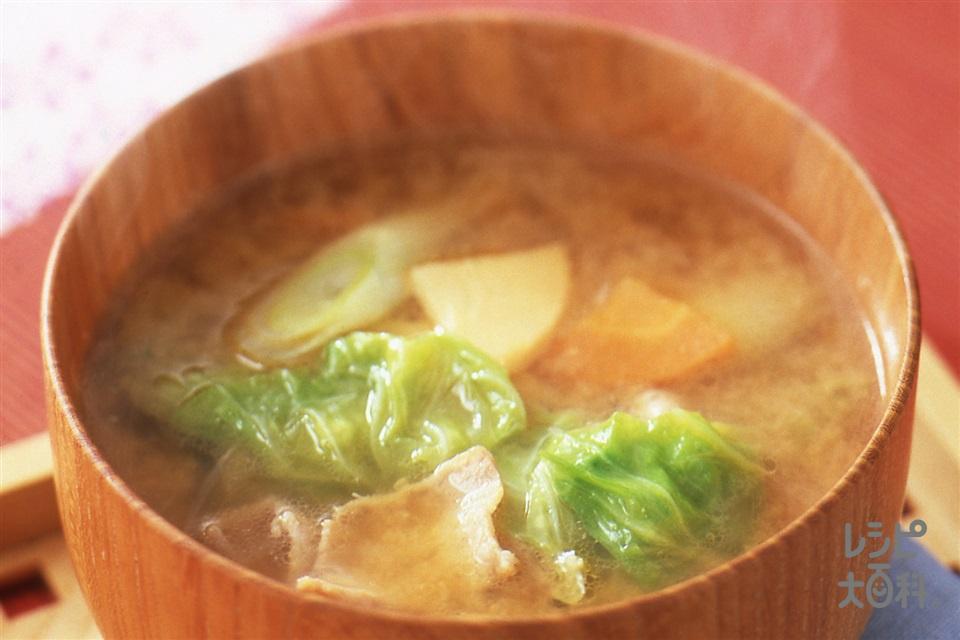 春のとん汁(豚バラ薄切り肉+キャベツを使ったレシピ)
