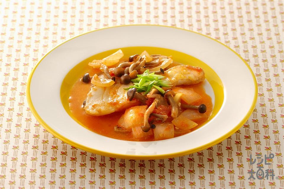 白身魚のチリトマトヨーグルト煮(白身魚+玉ねぎを使ったレシピ)