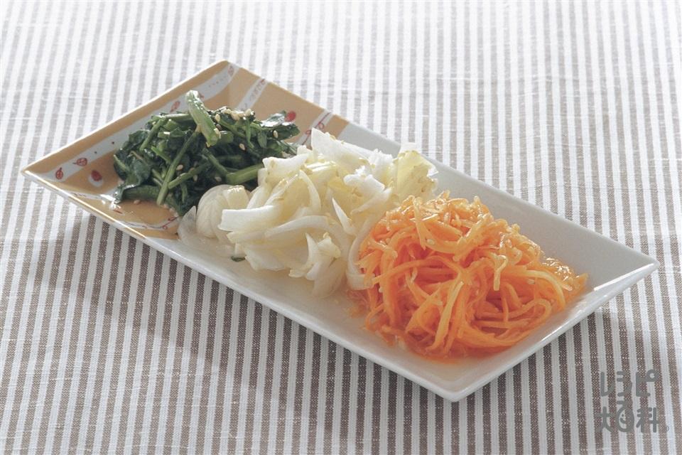 春野菜の簡単ナムル(新にんじん+新玉ねぎを使ったレシピ)