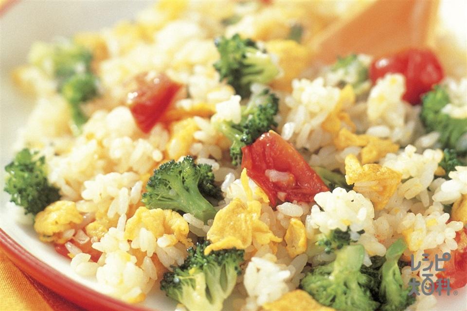 三色チャーハン(ブロッコリー+ご飯を使ったレシピ)