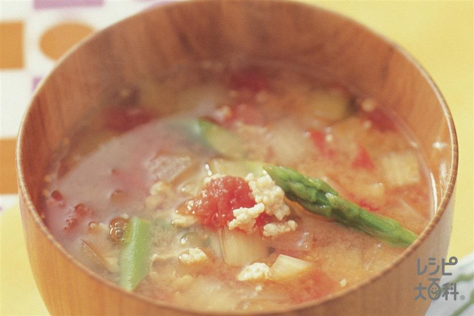 鶏ひき肉と玉ねぎのおかず椀トマトみそ(玉ねぎ+トマトを使ったレシピ)