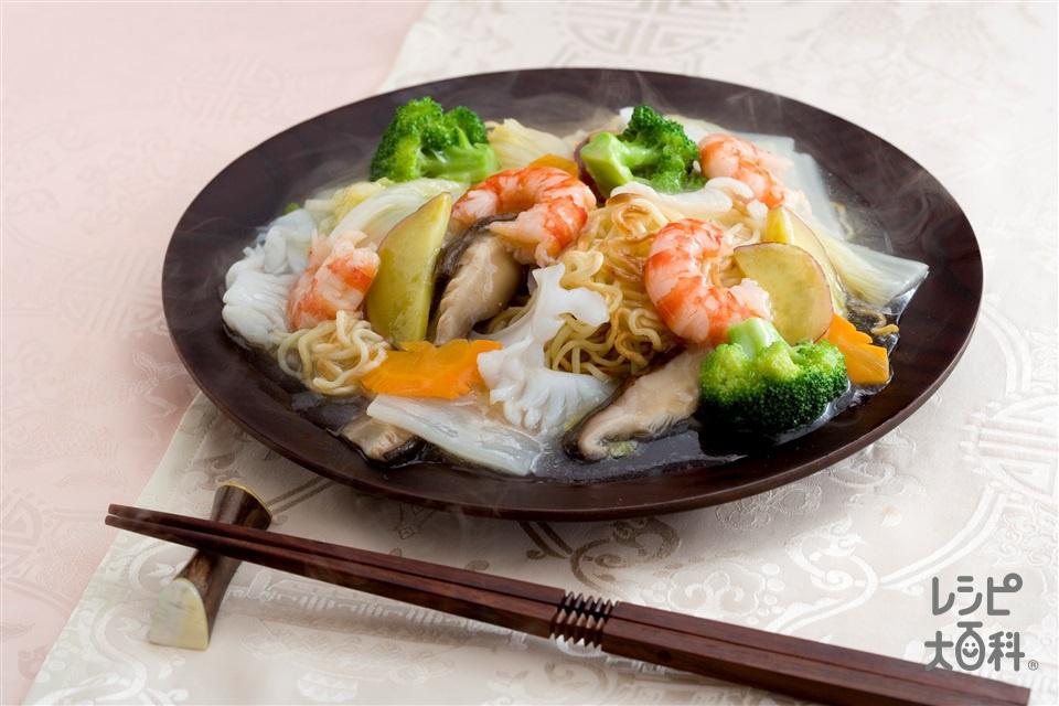 海鮮炒麺(海の幸たっぷり海鮮焼きそば)(中華蒸しめん+むきえび(大)を使ったレシピ)