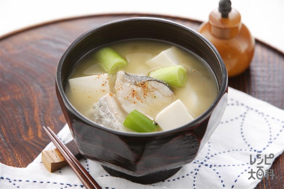 たらのみそ汁(たら+絹ごし豆腐を使ったレシピ)