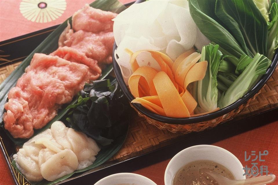 中華風しゃぶしゃぶ(豚もも肉+中華蒸しめんを使ったレシピ)