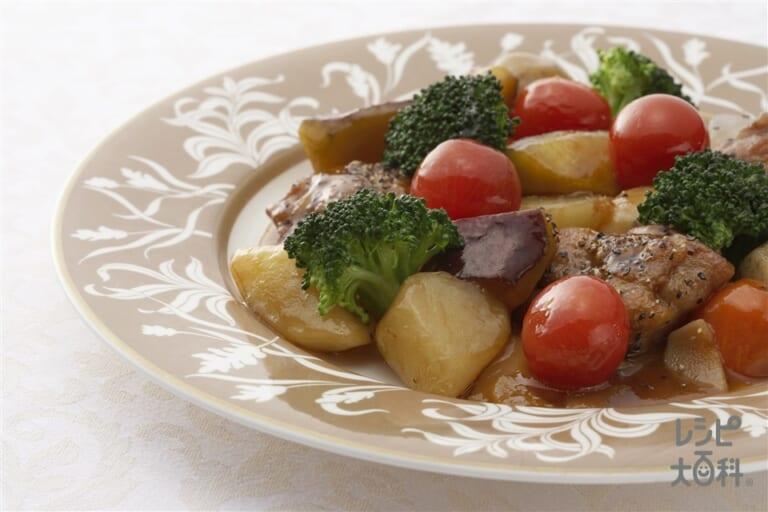 三芋黒椒鶏(イモ・いも・芋 三つのおいもチキン)
