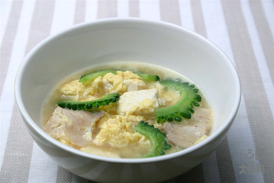 ゴーヤチャンプル風スープ(豚バラ薄切り肉+木綿豆腐を使ったレシピ)