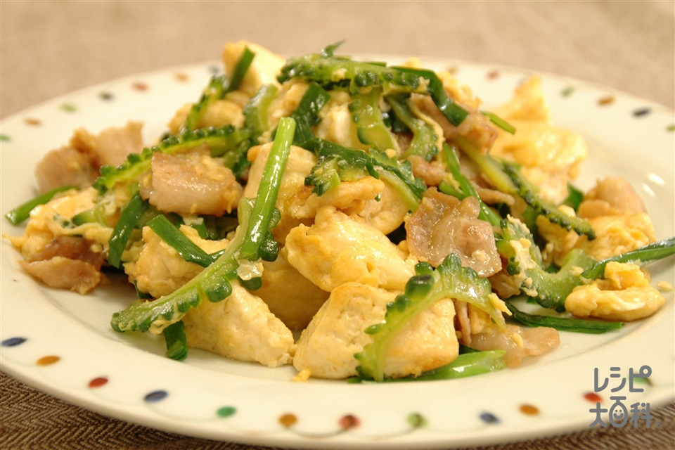 にら入りゴーヤチャンプルー(豚バラ薄切り肉+木綿豆腐を使ったレシピ)