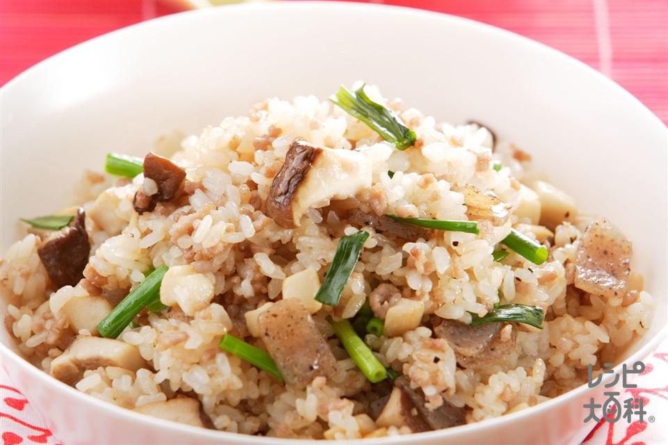 ひき肉とエリンギのチャーハン(ご飯+豚ひき肉を使ったレシピ)