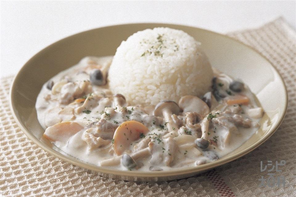 簡単ビーフストロガノフ風(牛バラ薄切り肉+A「瀬戸のほんじお」を使ったレシピ)