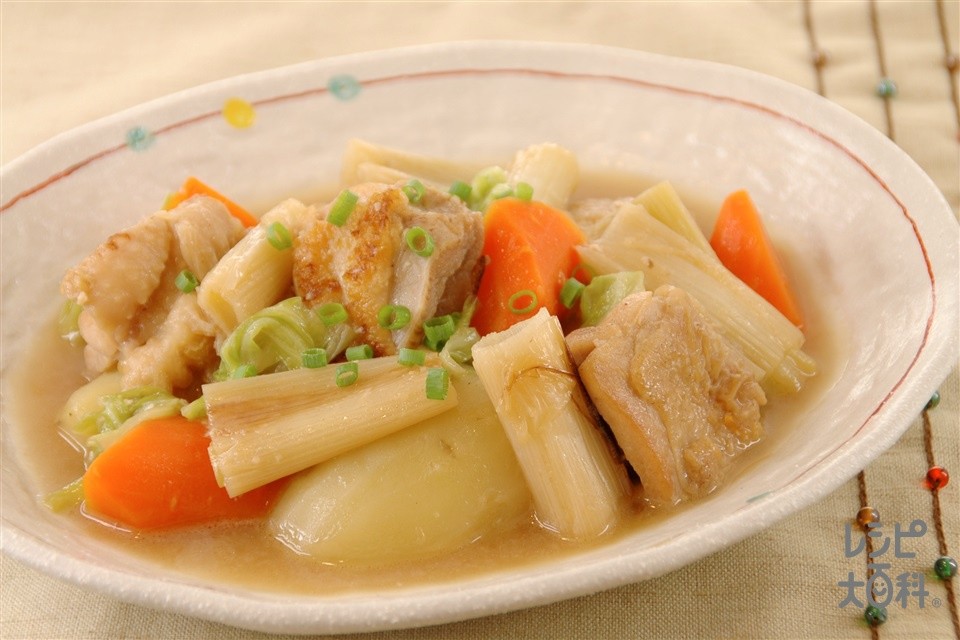 ねぎと鶏肉のみそバター煮込み(鶏もも肉+「瀬戸のほんじお」を使ったレシピ)