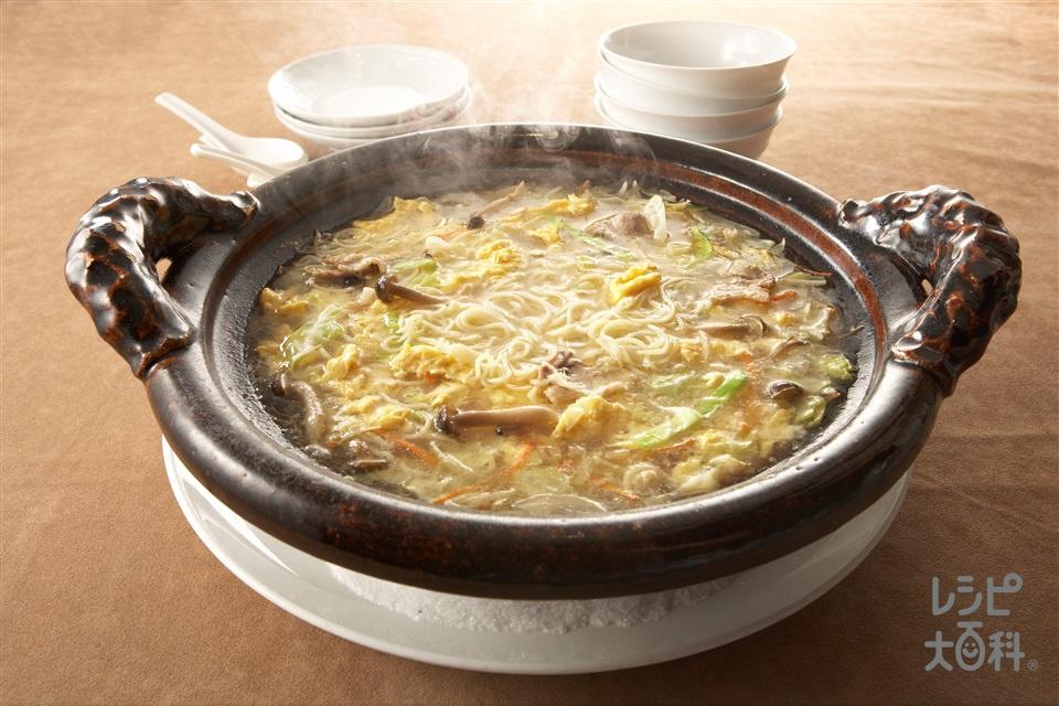 野菜たっぷり煮込み麺(中華生めん+キャベツを使ったレシピ)