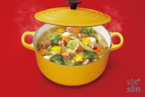 ソーセージとキャベツのお花畑スープ(キャベツ+うずらの卵を使ったレシピ)