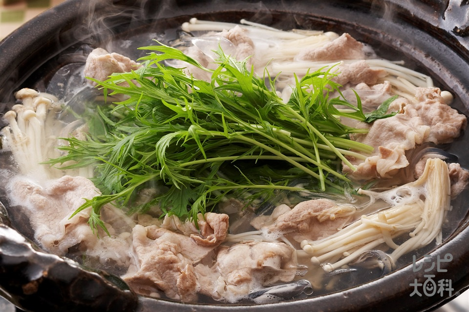 シャキシャキ水菜と豚肉のお鍋(豚薄切り肉+水菜を使ったレシピ)