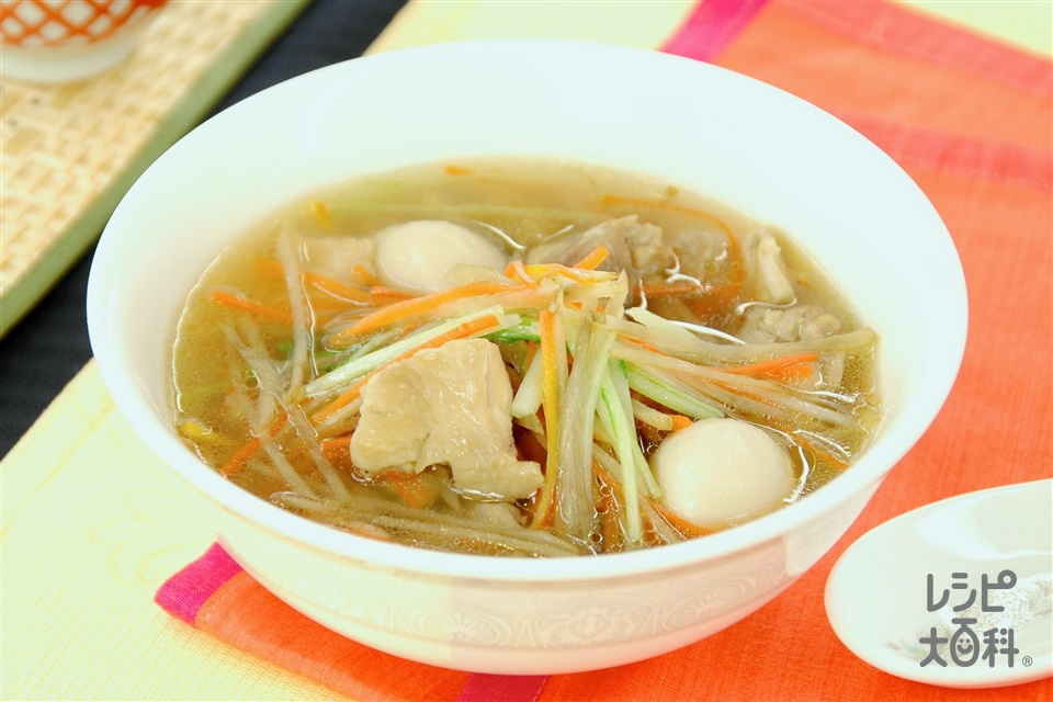 ごぼうと鶏肉の彩りスープ(鶏もも肉+ごぼうを使ったレシピ)
