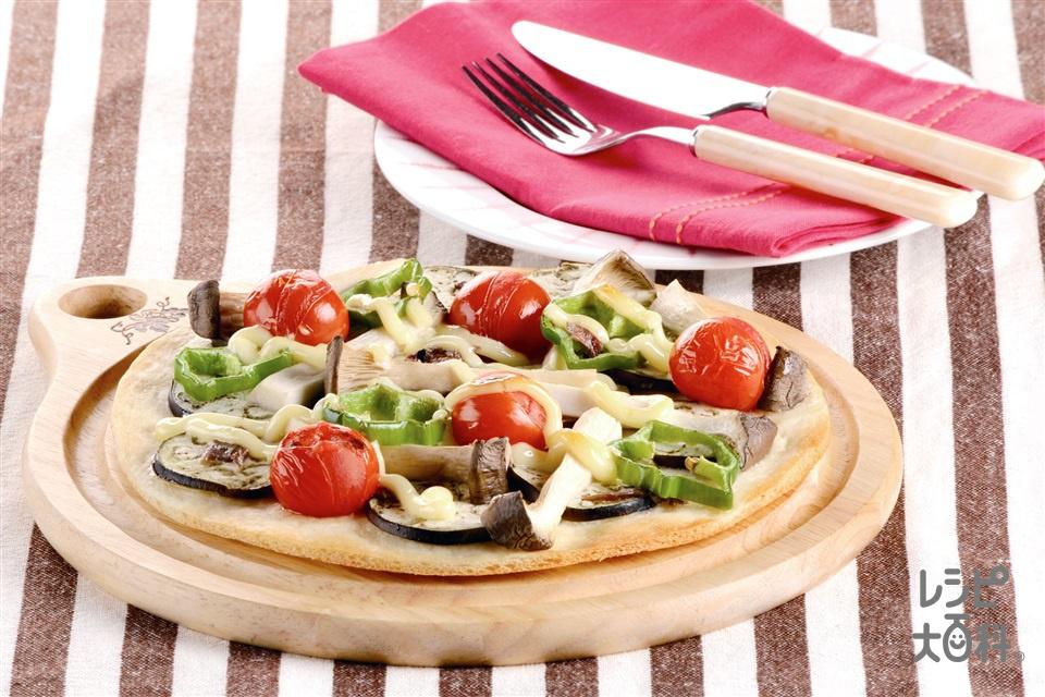 夏野菜とエリンギのピザ