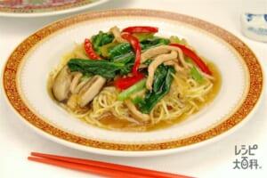 小松菜と豚肉のあんかけ焼きそば(焼きそば用蒸しめん+小松菜を使ったレシピ)