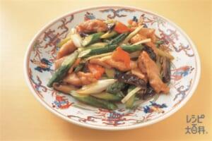 露笋炒鶏柳(アスパラと地鶏の炒め)