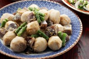 皿鉢の煮物~小芋のころばし(里いも+こんにゃくを使ったレシピ)