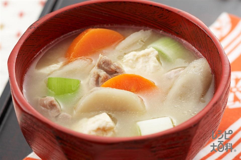 みそけんちん汁(鶏もも肉+里いもを使ったレシピ)