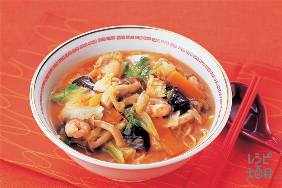 海鮮辛味あんかけ麺 (中華生めん+冷凍シーフードミックスを使ったレシピ)