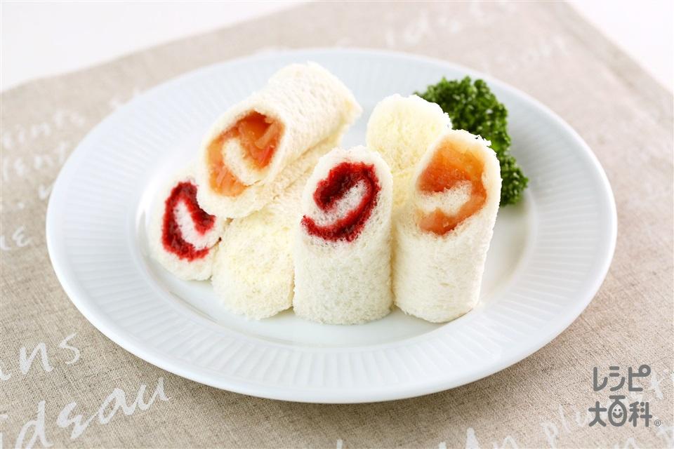 ヘルシーロールサンド3種(いちご+サンドイッチ用食パンを使ったレシピ)