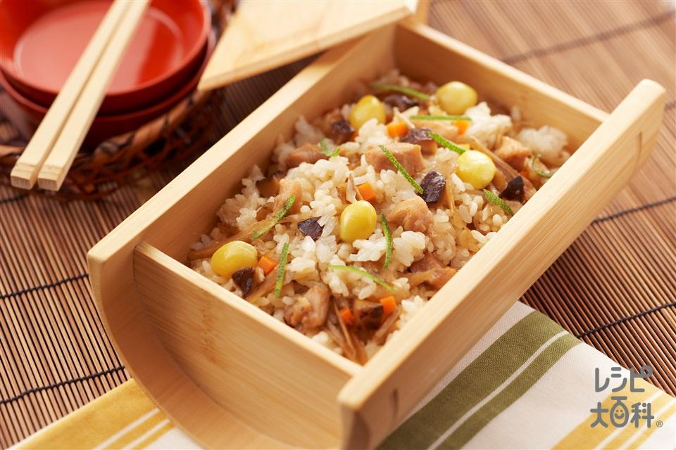 鶏めし(米+鶏もも肉を使ったレシピ)