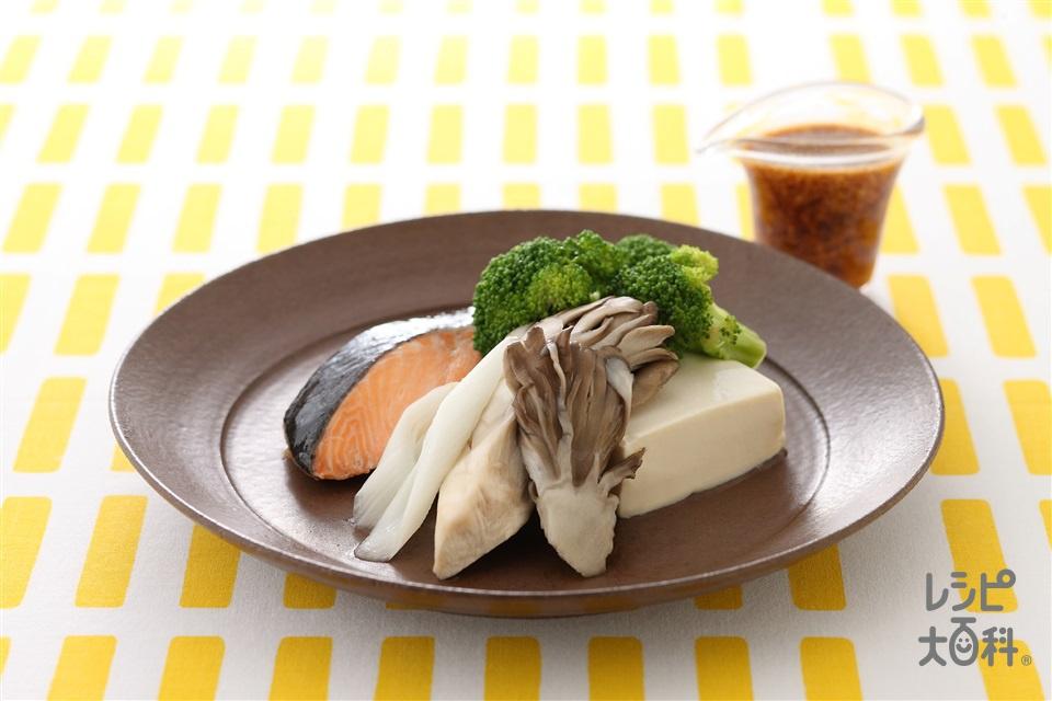 さけときのこのレンジ酒蒸し(生ざけ+絹ごし豆腐を使ったレシピ)