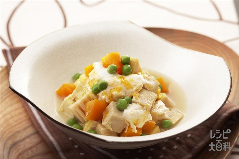 高野豆腐と野菜のふっくら卵とじ(高野豆腐+ゆでたけのこを使ったレシピ)