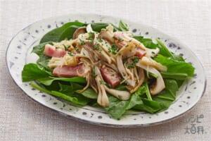 きのことベーコンのガーリックサラダ(エリンギ+サラダほうれん草を使ったレシピ)