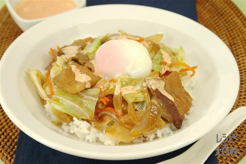 ピリ辛野菜炒め丼(豚バラ薄切り肉+温かいご飯を使ったレシピ)