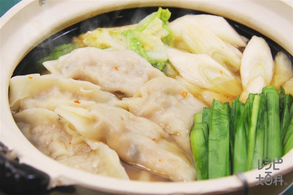 ピリ辛みそ餃子鍋(白菜を使ったレシピ)