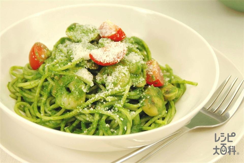 えびとマッシュルームのパスタ ほうれん草のソース(スパゲッティ+ほうれん草を使ったレシピ)
