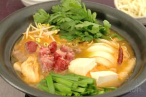 牛巻き肉とたっぷり野菜のピリ辛鍋