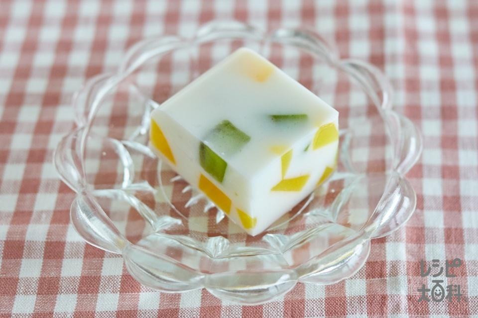 ぷるぷるフルーツ牛乳かん(牛乳+黄桃缶を使ったレシピ)