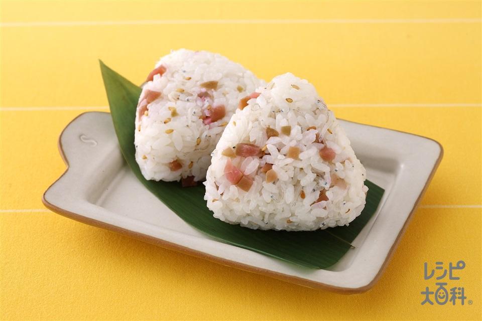 梅じゃこおにぎり(A温かいご飯+Aちりめんじゃこを使ったレシピ)