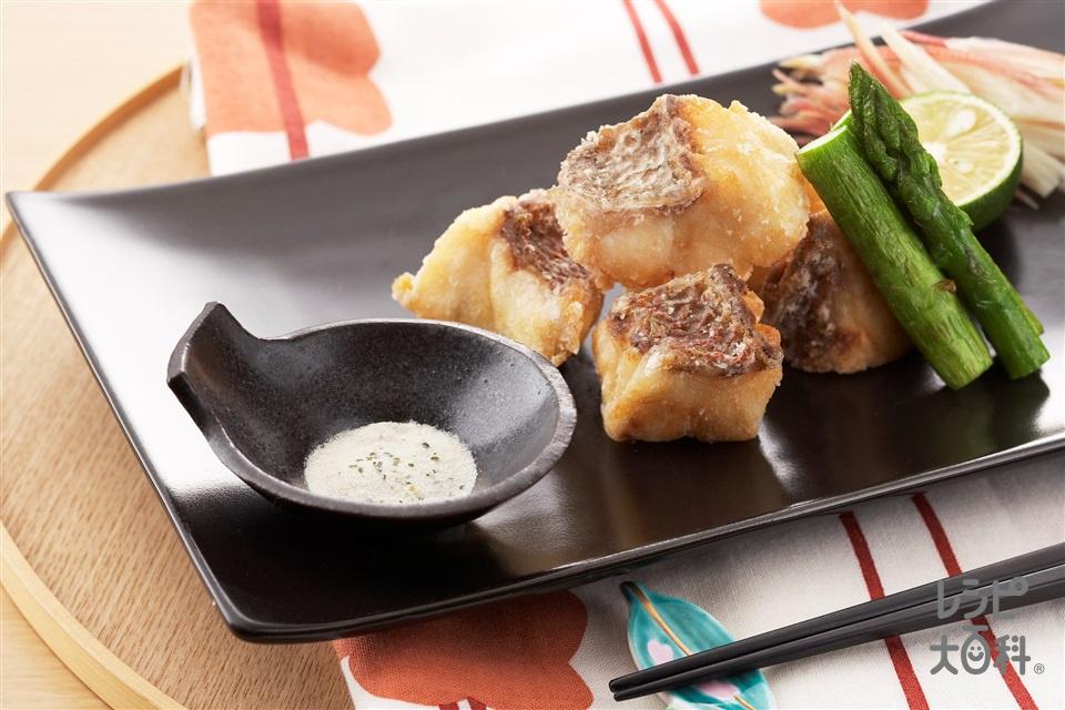 鯛のカリッとフライパン揚げ(たい(切り身)+グリーンアスパラガスを使ったレシピ)