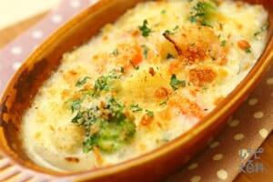 ごろごろ野菜のシチューグラタン(牛乳+玉ねぎを使ったレシピ)