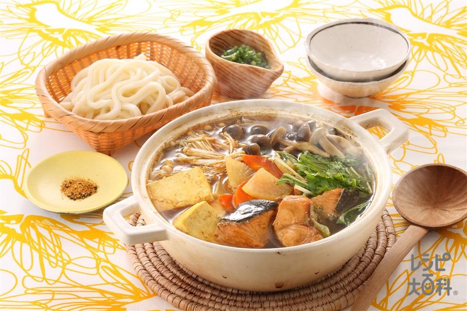 鮭カレー鍋(木綿豆腐+ゆでうどんを使ったレシピ)