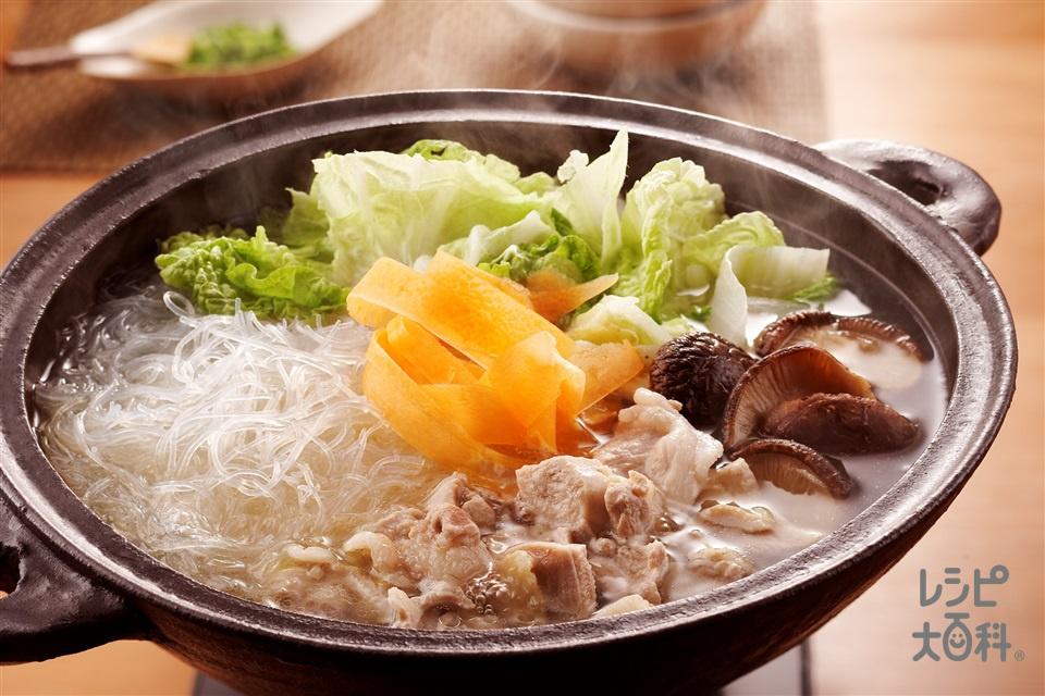 白菜鍋(豚ロース薄切り肉+鶏もも肉を使ったレシピ)