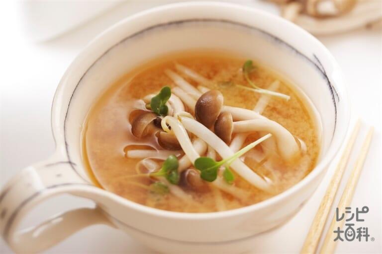 しめじともやしのレンチンみそスープ