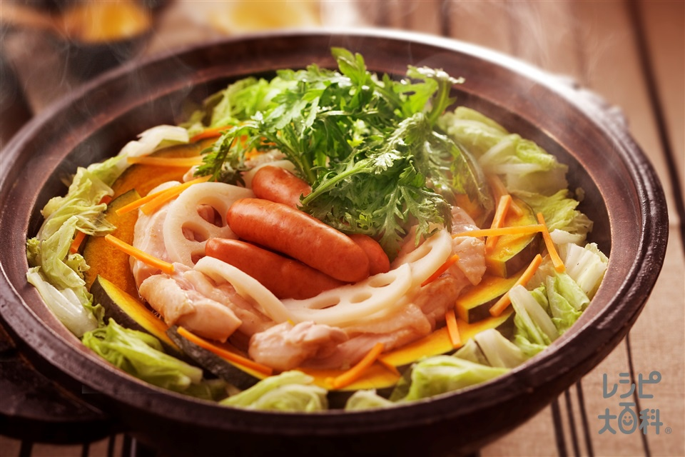 れんこんとかぼちゃ・鶏肉のだし蒸し鍋(白菜+鶏もも肉を使ったレシピ)
