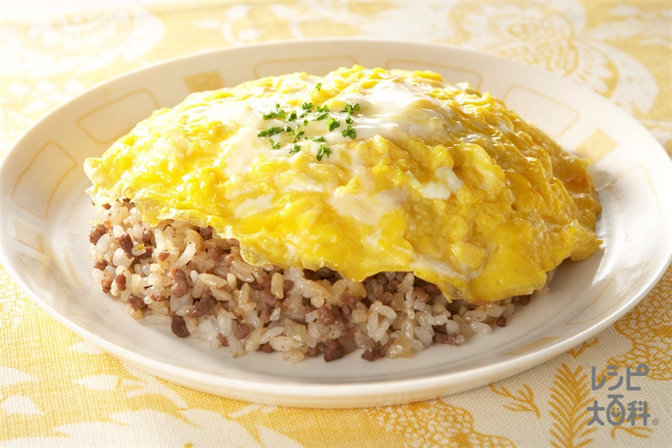 純情オムライス(牛ひき肉+にんにくのみじん切りを使ったレシピ)