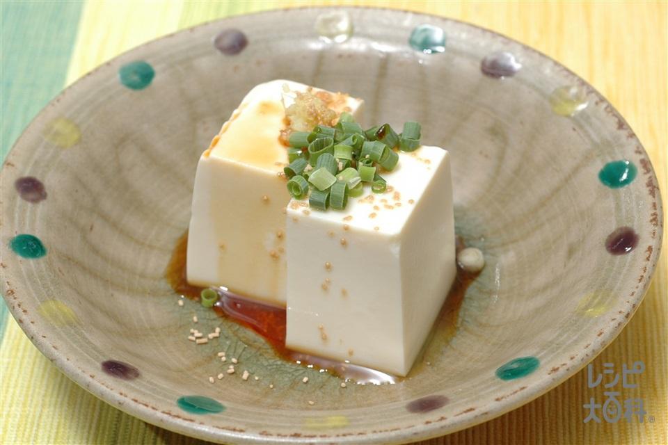 冷奴(絹ごし豆腐+小ねぎの小口切りを使ったレシピ)