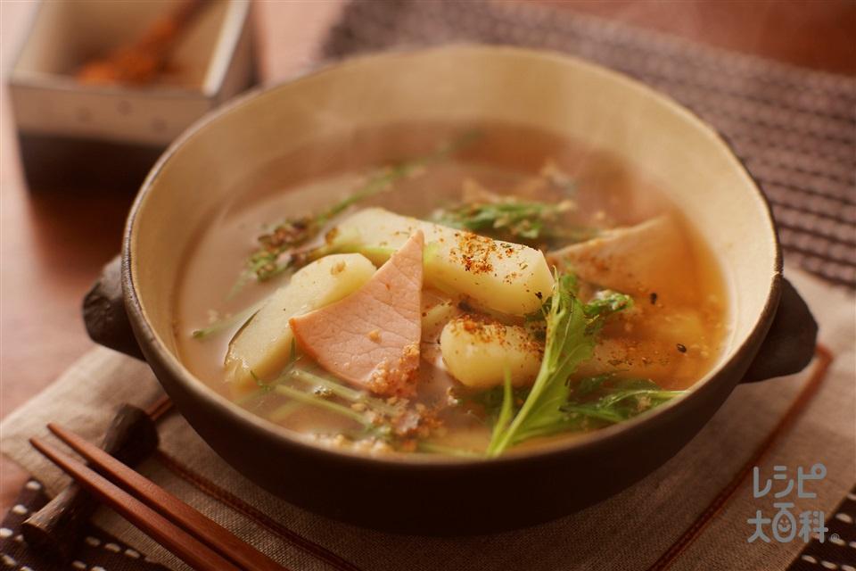 じゃがいもとハムのごま辛スープ